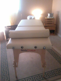 photo table de massage dans cabinet