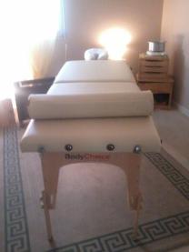 photo table de massage dans cabinet